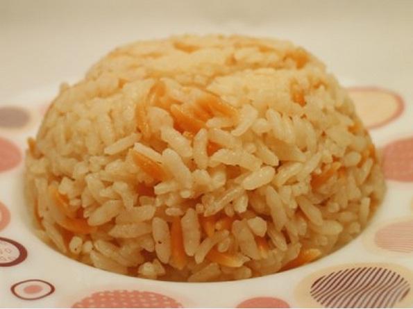 Şehriyeli Pirinç Pilavı yapılışı