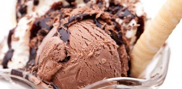 süt kremalı çikolatalı dondurma tarifi