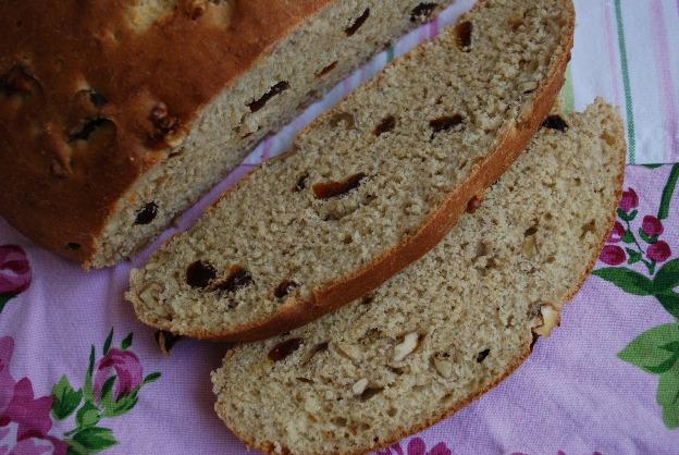 zeytin ve cevizli ekmek