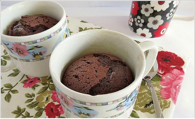 fincanda çikolata şelalesikek