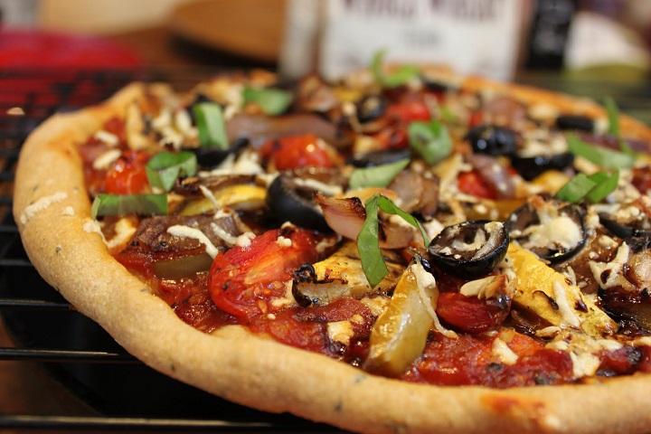 Sebzeli-pizza-tarifi