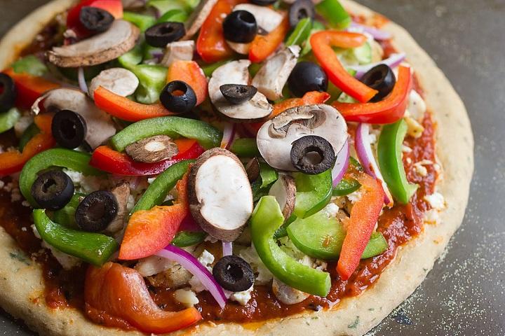 Zeytinli-pizza-tarifi
