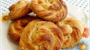 Tahinli Gül Çöreği Tarifi