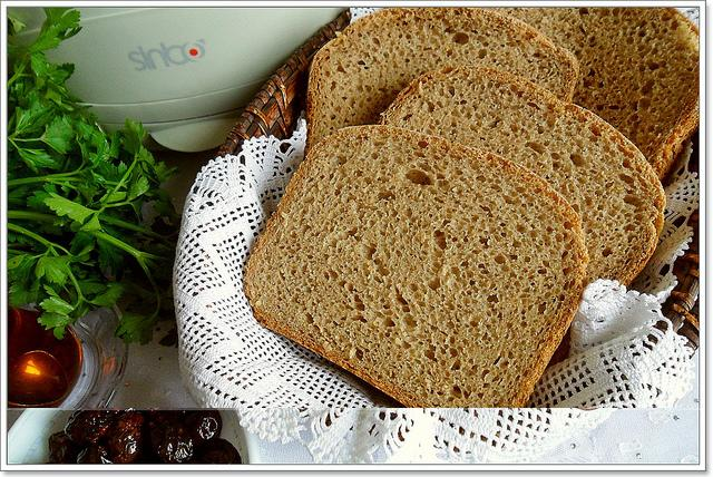 ekşi mayalı çavdarlı ekmek
