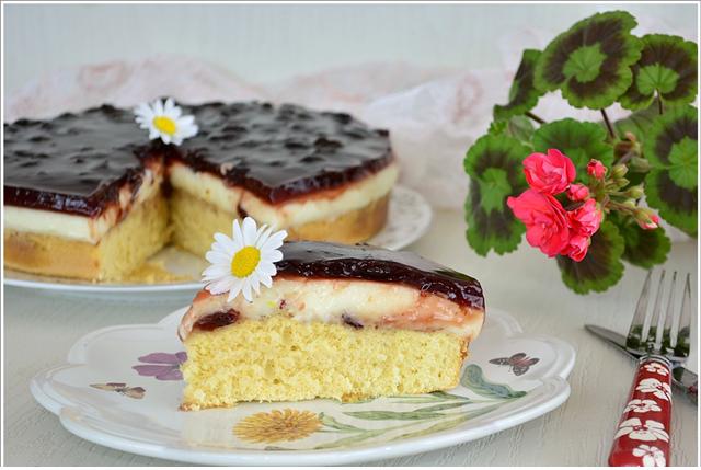 pandispanya kekli vişneli pasta