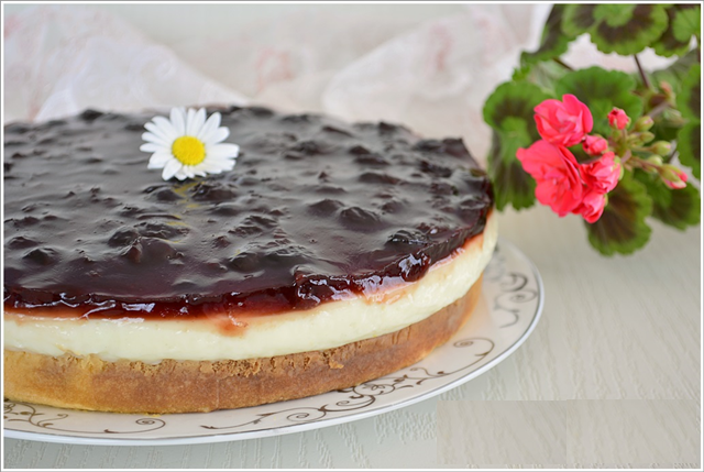 pandispanya kekli vişneli yaş pasta