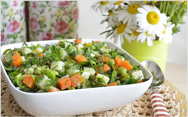 sebzeli yaz salatası